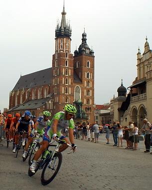 Krakowski Rynek - od kilu lat jeden z symboli Tour de Pologne