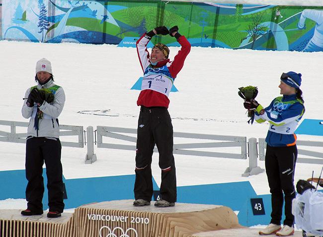 Justyna Kowalczyk na podium Igrzysk w Vancouver