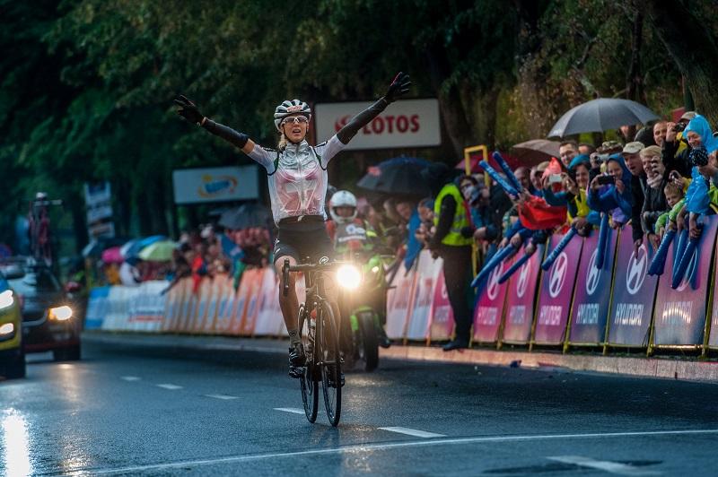 Jolanda Neff na mecie 1. etapu TdP Kobiet, fot. Szymon Gruchalski